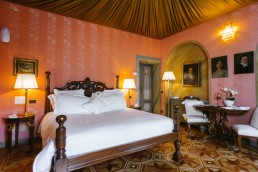 camera villa crespi classic rooms
