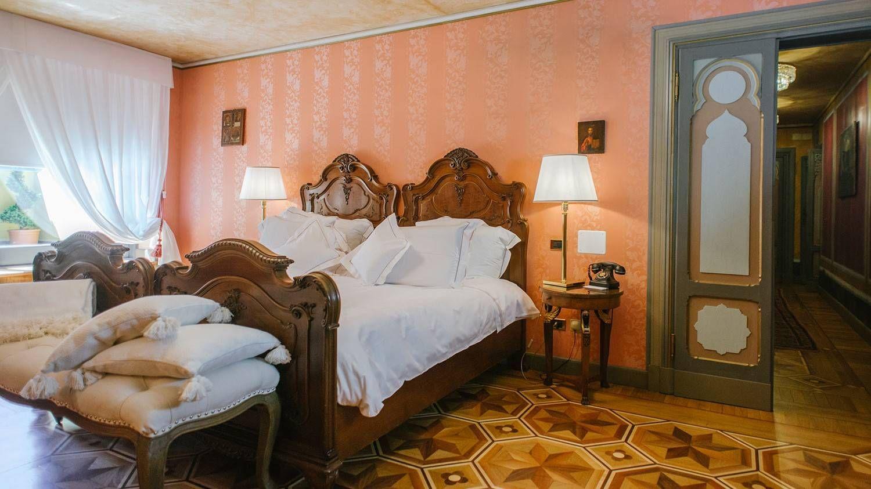 classic rooms villa crespi