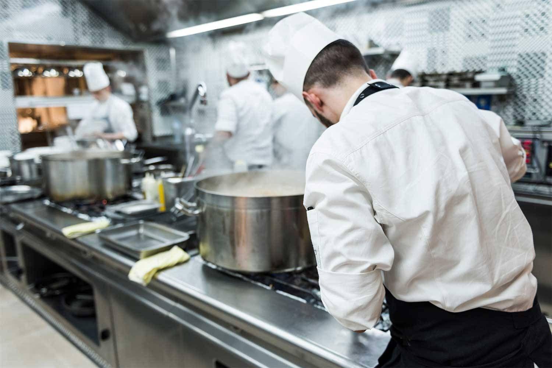 Corso di cucina tra le stelle 2 ore in cucina da cannavacciuolo - Corso cucina cannavacciuolo prezzo ...